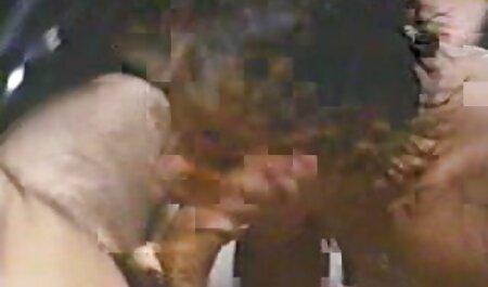 جنین Lindemulder می پردازد برای او تاکسی سکس فیلم تلگرام