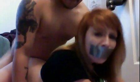 دختر و dildo به او-دوربین مخفی كس وكون