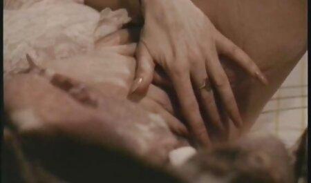 مادر و دختر نوجوان-یک شب با سابرینا عشق (2000) دانلود عکس و فیلم سکسی