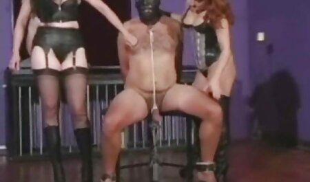 یک دختر خفن ترین عکسهای سکسی با موهای قرمز سواری پدر بزرگ